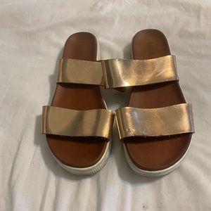 Mia rose gold platform sandals in size